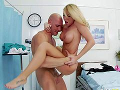 Extreme intense orgasm is Madison Scotts problem. And Doctor Johnny Sins is going to fix it. Blonde bombshell with huge tits gets nude in front of him. She cant miss his chance to give her tight wet fuck hole a try.
