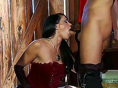 Hot woman with great body Savannah Stern is going to play with big stiff penis of Keiran Lee in this action! Examine how she is caressing the dong by hands, mouth and juggs.