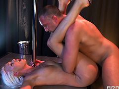 Slender bleached beauty Kacey Villainess gets wiener of Keiran Lee deep in her wide opened throat!