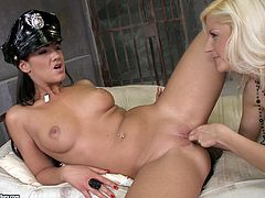 Horny cop Nia Black makes prison girl to lick her pussy