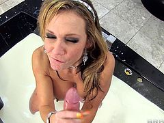 Horny mature with huge tits rides cock like a true pornstar in nasty hardcore