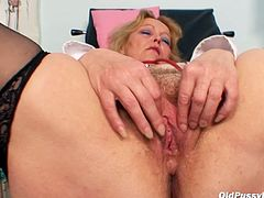 Watch ruined pinkish pussy of horny granny Stazka in close up video