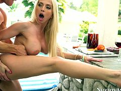 Well stacked blonde Christie Stevens enjoys outdoor steamy fuck