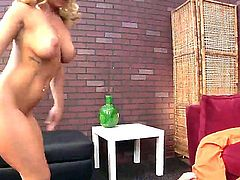 A horny slutty blonde chiq enjoys getting her shaved pussy eaten from down under and doggystyle.