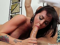 Brunette nympho Brandy Aniston gives deepthroat blowjob