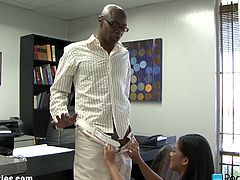 The new office worker seems to be a bit slow. See what the manager has to suggest her to keep her job. She may not work hard enough but she fucks harder and harder!