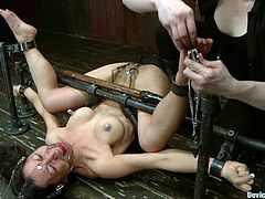 Slender Asian siren is loving some massive abuse