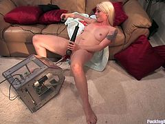 Press play on this amazing scene and hear this babe hitting some high notes as she's fucked by machines as her pussy gets wetter and wetter.