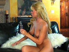 gorgeous blonde Niki Young likes posing when deep masturbating her wet and tight pussy