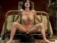 Watch Veronica Avluv in this mind-blowing performance where she get stuffed by the powered dick machine and plays with her vibrating pal.