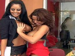 Trina and Sienna pleasure delivery boy Jerry