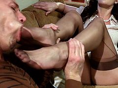 Watch this feet worshiping scene and see how this hot brunette ends up with her feet covered by cum after having a guy sucking her toes before letting him fuck her.