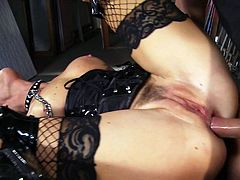 Sweet brunette enjoys having her throat filled with jizz during impressive hardcore