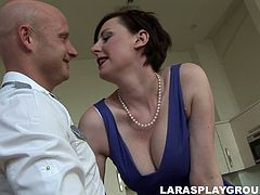 Ardent tall British whore is in blue short dress and red stockings. Kinky brunette seduces a plumber and gets her mature juicy cunt eaten right in the kitchen. Gosh, if you wanna jizz at once, you surely must check out this incredibly voracious slut with droopy ass in Jim Slip sex clip.