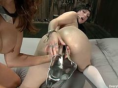 Francesca Le and Proxy Paige make crazy show. The brunette girl gets her ass toyed and fucked with strap on by another chick.