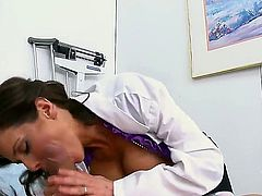 Hello people! I am sure that you will love this great fuck with pornstars Ramon and Veronica Avluv in the hospital! Busty nurse sucks a big cock and it looks so crazy! Watch and enjoy!