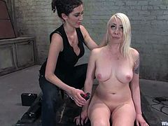 A lot of wires are used to torture a sexy blond Lorelei Lee