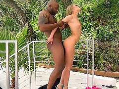 Blonde temptress Blue Angel making love