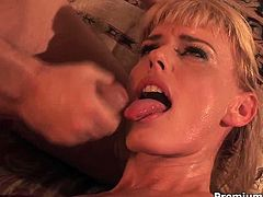 Premium HD site performs you one another hussy blonde which looks hot with cumshots on her lustful face. Enjoy steamy sex tube video for free This skilled sucking head is everything you need.