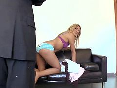 Awesome Blonde female has It inside A ass hole For Casting Purposes