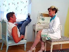 During a regular examination at the therapist, group of horny young dudes lure a sextractive doctor to peppering gangbang sex where she rides one of them in reverse cowgirl style while pleasing others with deepthroat blowjobs.