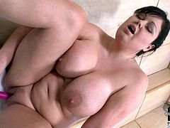 Are you ready to jizz at once? Then press play and enjoy incredibly hot DDF Network sex clip. Wondrous obese but hot like hell brunette is naked in the bath. Pale bitch plays with her huge boobs, stretches legs as wide as she can and plugs a sex toy into her vagina for polishing it properly right away.