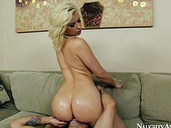 Amazing and seductive blondie is proud of her smooth rounded ass, cuz it's just appetizing. Voracious chick with sweet boobs repays for facesitting cunnilingus with a solid blowjob provided for a fat strong dick. Cum addicted blowlerina presented in Naughty America sex clip will surely make you jizz at once.