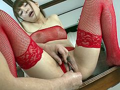 Watch as this beautiful lady gushes loads of female jizz all over the place. Shiofuky is the Japanese art of squirting and Maomi Nakazawa is very skilled at it. The hitachi on her pussy make her spray think ropey streams of pussy juice.