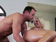 Ravishing and experienced blodne Lylith Laveyis having a lot of doing a marvelous blowjob while showing all of her beautiful body parts covered in oil and fucking really hard and naughty.