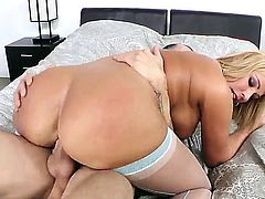 Super hot blonde milf with huge ass, big boobs and tanned skin Mellanie Monroe looks likes she was created for fucking actions with Criss Strokes.