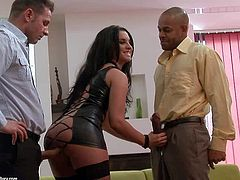 Dark haired Bettina gets double penetrated