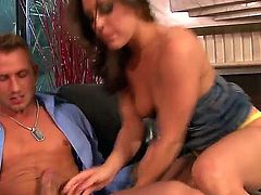 Gracie Glam lets Bill Bailey stick his thick ram rod in her mouth