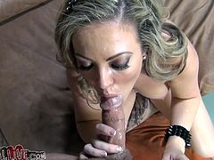 Take a great look at this blonde's gorgeous body in this hardcore video where she's eaten out before she masturbates with sex toys.