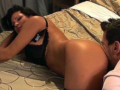 Manuel Ferrara gets pleasure from fucking Teri Weigel in her hot mouth
