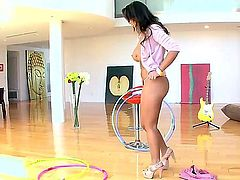 Chloe Reese Carter with bubbly booty spends her sexual energy with hot guy