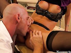 Kortney Kane gets her wet spot destroyed by Johnny Sinss hard boner
