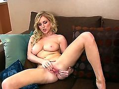 Angelic harlot Georgie Lyall is ready to toy fuck her fuck hole on cam 24/7
