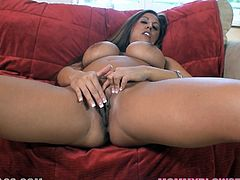 This playful and charming milf Alisandra Monroe got some hot shapes! Babe gets naked and starts having some fun with herself and then entertains you with a hot blowjob!