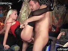 Pussy dildoing and fucking in hardcore scene with sexy blonde