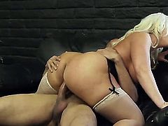 Alura Jenson and Karlo Karrera love to have the most amazing sex on the kitchen table