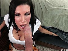 Canadian mom Shay looks damn good in her plummer uniform and she knows how to handle a pipe. She gets inside the house to fix Mick's pipe and starts working. First she kneels and then she inspects it, before deciding, that the best solution is to suck it, and squeeze every drop of semen