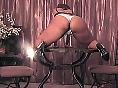 BOUNCING ASSES BOOTIES BUMS