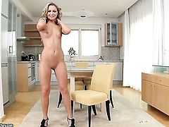 Blonde Amanda Blake proves that her body is just amazing as she masturbates naked
