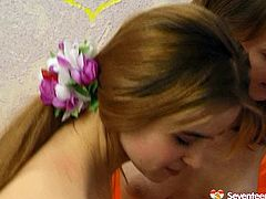 Are you seeking for satisfaction? Then press play and enjoy two slender alike looking brunette teens in Seventeen Video sex clip. Zealous hotties are horny lesbos, who're mad about licking juicy teen pussies and playing with small but nice tits.