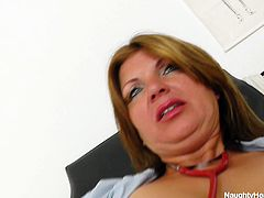 Voluptuous mommy with big boobs is posing on cam showing off her big fat ass. Then she sits on a couch spreading her legs. Bohunka fingers her clam and lick off the juice of her fingers tasty her own cum juice. Then she thrusts dildo in her cunt.
