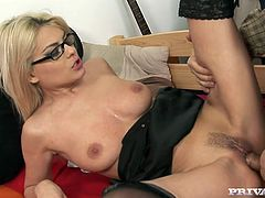 Her passion is something that can't be described in words. Honey loves cocks and she sucks them with so much passion! Anal sex led to an oral jazzing!
