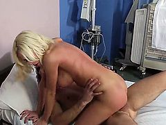 Lovely blonde chick Riley Evans enjoys sliding down Daniel Hunters big throbbing meat piston