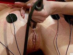 Electro whore gets her asshole stuffed with electric dildo