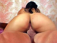 Skanky brunette chic clings to a hard meaty penis to suck it zealously before she climbs on it for a ride in cowgirl style later switching to missionary pose in peppering sex clip by Pornstar.