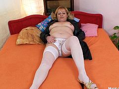 Dirty old hoochie in white stockings shows off her pink vag. She opens her legs and pussy curtains wide and invites you to come in. Enjoy her hot pussy hole for free.